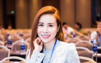 Fashionista Hoàng Dung bất ngờ tham gia Mrs Áo dài 2017