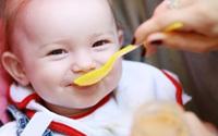 """Cơ chế """"làm sánh sữa"""" giúp cải thiện bệnh trào ngược dạ dày ở trẻ sơ sinh và trẻ nhỏ"""