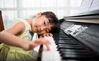 Ba mẹ thông minh sẽ cho con học nhạc sớm