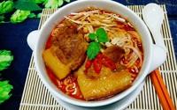 Có một công thức chuẩn để nấu món mì Quảng thịt heo đậm ngon