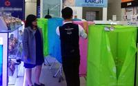 Hà Nội: Trời nồm ẩm, người dân chi tiền triệu mua máy hút ẩm, tủ sấy quần áo