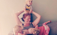 Hãy để bà mẹ này giải thích vì sao vẫn kiên trì cho 3 đứa con 5 tuổi bú sữa mẹ