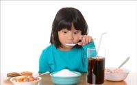 Ngộ nhận sai lầm từ những đồ bổ béo mà cha mẹ cho con ăn hàng ngày khiến trẻ dậy thì sớm