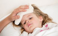 Cách bảo vệ sức khỏe của trẻ khi giao mùa