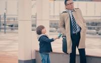 Con trai nhặt tiền rơi trên phố, bố làm theo cách người Nhật dạy con và nhận kết quả không ngờ