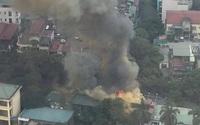 Hà Nội: Cháy lớn trên đường Phan Kế Bính, cột khói bốc cao hàng chục mét