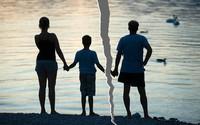 Vợ chồng trước bờ vực đổ vỡ: Phải làm gì với con khi một mai kia ta không còn chung đường?