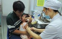 Từ tháng 1/2018, trẻ sơ sinh đến 5 tuổi bắt buộc phải tiêm đủ 10 loại vắc xin