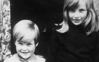 Bí mật tuyệt vời của Công nương Diana qua lời kể của em trai