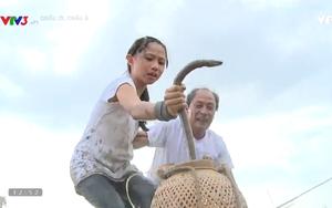 """Con gái Phạm Anh Khoa hét toáng vì phải bắt lươn, đi cầu khỉ trong """"Cháu ơi, cháu à"""""""