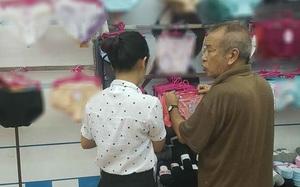 """Cụ ông U70 tự tay mua đồ lót cho """"người yêu"""" vì một lý do ai nghe xong cũng bất ngờ"""