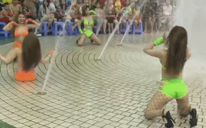 Công viên nước Đầm Sen bị phạt 45 triệu vụ vũ công mặc bikini múa phản cảm trước trẻ em