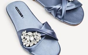 """Hè này, loạt giày dép sẽ được """"sang chảnh hóa""""  nhờ chất liệu lụa satin"""