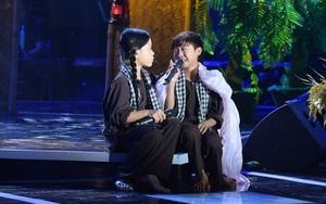 """Cả trường quay khóc òa khi """"cậu bé Thị Mầu"""" hát """"Sa mưa giông"""""""