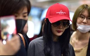 Dương Mịch xuất hiện phờ phạc tại sân bay