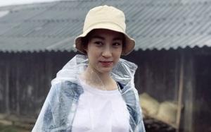 """Ăn mặc xuề xòa, Hoa hậu Mỹ Linh vẫn """"tươi như hoa"""" sau khi bị cô lập ở vùng bão Yên Bái"""