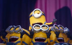 """Màn hát hò hài """"bá đạo"""" của đội quân áo vàng Minion"""