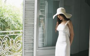 Lưu Hương Giang diện đầm trắng thanh thoát, xinh đẹp dịu dàng hút ánh nhìn