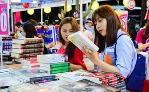 """Hàng loạt hội chợ thời trang, sách cũ siêu chất giá mềm cho cuối tuần """"thăng hoa"""""""