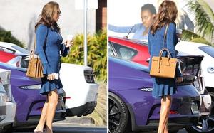 """Bố dượng Kim Kardashian tự tin xuất hiện sau khi tiết lộ đã cắt bỏ """"của quý"""""""