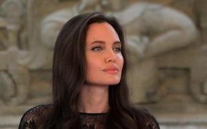 Angelina Jolie lên kế hoạch tổ chức tiệc mừng ly hôn Brad Pitt