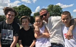 """""""Ngày của cha"""", Victoria Beckham ca ngợi chồng là """"ông xã tuyệt vời nhất thế giới"""""""