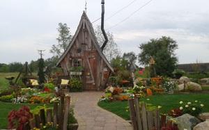 Ngôi nhà gỗ đẹp diệu kỳ như bước ra từ truyện cổ tích