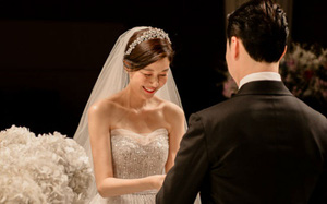 """Người đẹp """"Phẩm chất quý ông"""" Kim Ha Neul đón tin vui bầu bí ở tuổi 39"""