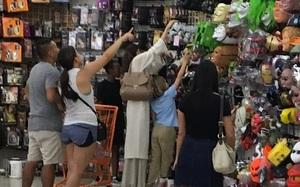 Angelina Jolie chi 1.000 USD đi mua sắm chuẩn bị Halloween cho các con