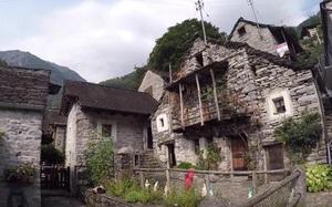 Kỳ lạ ngôi làng chỉ có 13 cư dân và đây là cách người ta cứu vãn nó khỏi bị bỏ hoang