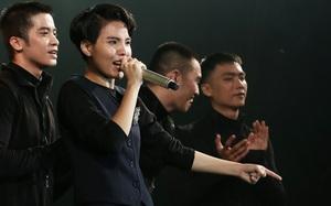 Trước 3.000 khán giả, Vũ Cát Tường bật khóc trong đêm concert đầy ý nghĩa