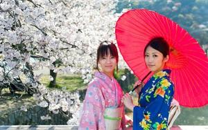 Phụ nữ Nhật Bản mặc kimono kín cổng cao tường nhưng lại để hở một vị trí rất gợi cảm