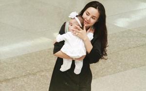 Con gái Vy Oanh lần đầu về nước, ngoan ngoãn trong vòng tay mẹ