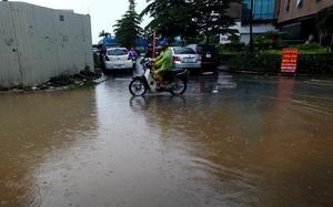 Hà Nội: Chung cư, liền kề KĐT Văn Phú khốn khổ vì chìm trong biển nước.