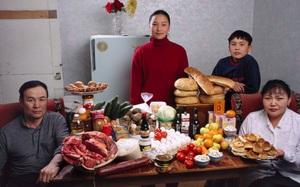 Bộ ảnh tiết lộ khoản tiền các gia đình chi cho bữa ăn hàng tuần, bạn sẽ ngậm ngùi khi xem ảnh cuối cùng