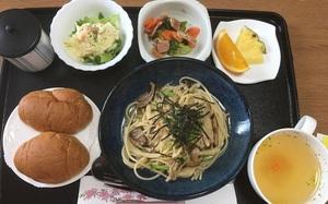 Đồ ăn bệnh viện đẳng cấp Nhật Bản: Nhìn qua bữa ăn của sản phụ, ai cũng tưởng đồ order nhà hàng