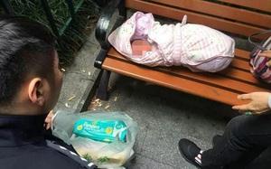 """Mới chào đời 1 ngày, bé sơ sinh bị bố vứt bên đường vì """"lại là con gái"""""""