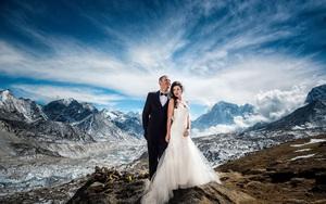 """Cặp đôi dành trọn 3 tuần leo bộ để thực hiện lễ cưới có """"1-0-2"""" trên đỉnh Everest"""