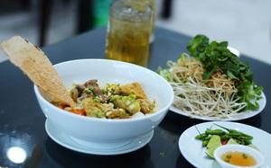 Những món ăn kèm bánh tráng miền Trung chinh phục người Sài Gòn