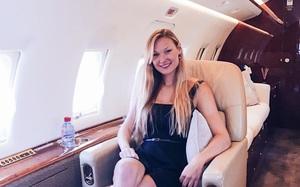 Cuộc sống đáng mơ ước của nữ phi công 9X