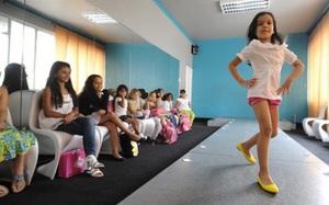 Sự thật phía sau 'lò luyện hoa hậu' ở Venezuela