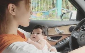 Hải Băng gây tranh cãi khi vừa bế con nhỏ vừa vô tư lái xe