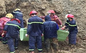 18 người bị vùi lấp ở Hòa Bình: Tìm thấy nạn nhân thứ 10, lên phương án nổ mìn để tìm kiếm