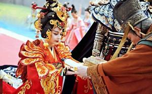 Giữa hàng ngàn mỹ nữ trong tam cung lục viện, Hoàng đế chọn người để ân ái bằng cách nào?