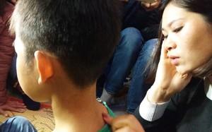 """Vụ bé trai trai bị bạo hành ở Đông Anh: """"Ở trường cháu là học sinh nghịch ngợm"""""""