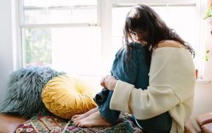 Tinh ý nhận biết các dấu hiệu khi mối quan hệ của bạn có thể đã xuất hiện người thứ ba
