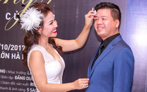 Vợ Đăng Dương tình cảm lau mồ hôi cho chồng trong sự kiện