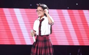 """Vũ Cát Tường bật khóc nức nở khi nghe cô bé 12 tuổi hát """"Cha già rồi đúng không"""""""