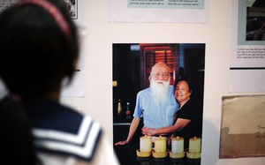 """Hàng nghìn người rưng rưng tại triển lãm """"Dấu ấn"""" về cố nhà giáo Văn Như Cương"""