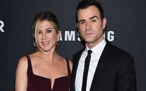 Rộ thông tin Jennifer Aniston chưa từng đăng ký kết hôn với chồng cũ